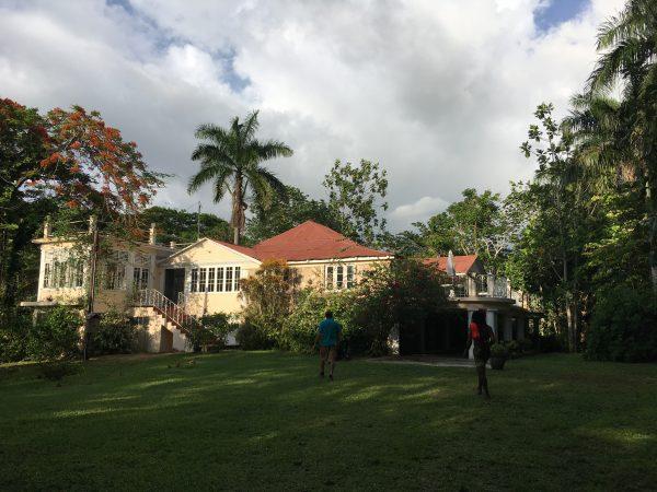 Great house, garden,parties, renovation